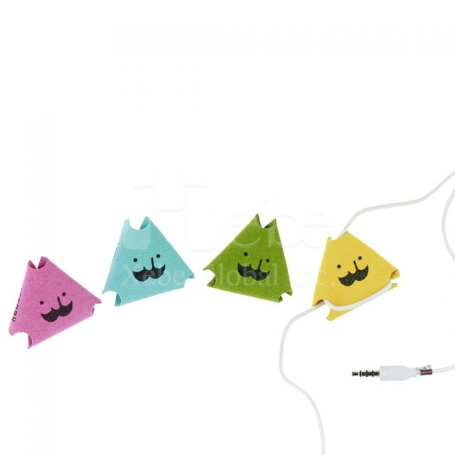 Triangle earphone cable wrap